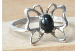 65 pierścionek motylek z onyksem