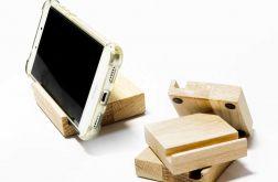 Drewniany podstawek pod smatfon