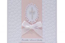 Pamiątka Komunii Św. białe kwiaty srebrny krzyżyk