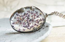 Fioletowa łąka - naszyjnik z kwiatem w szkle