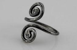 Zwijasy - srebrny pierścionek 190326-03