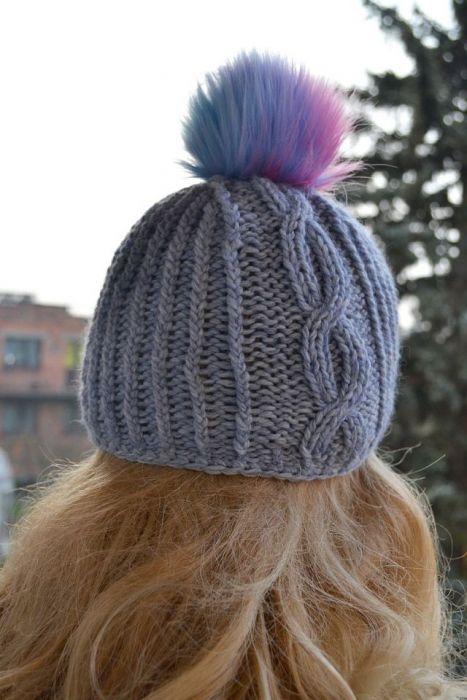 Ciepła czapka z pomponem - ciepła czapka