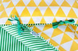 Pościel w zółte trójkąty i zielone paseczki