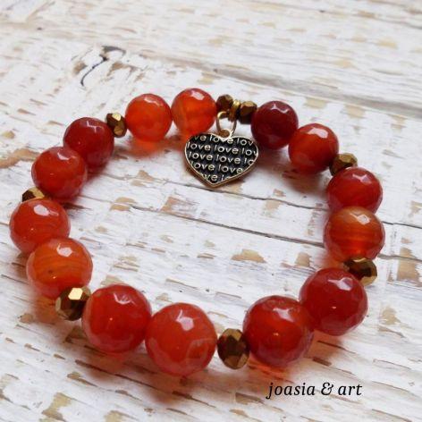 czerwone kamienie agat z serduszkiem