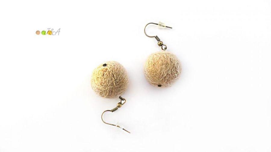 Kolczyki z filcu beżowe filc handmade