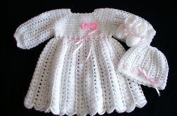 Biały komplecik dla dziewczynki - chrzest
