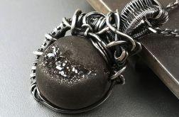 Srebrny wisiorek z agatem z druzą, Srebro