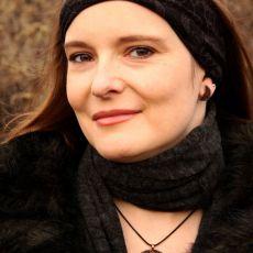 Lunula - miedziany wisior 201204-03