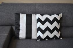 Poszewka - czarno-białe szerokie pasy
