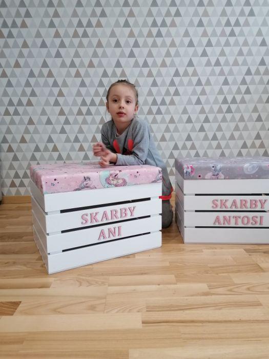 Skrzynia z siedziskiem JEDNOROŻCE PINK - Skrzynia na zabawki z imieniem dziecka loo loo dream