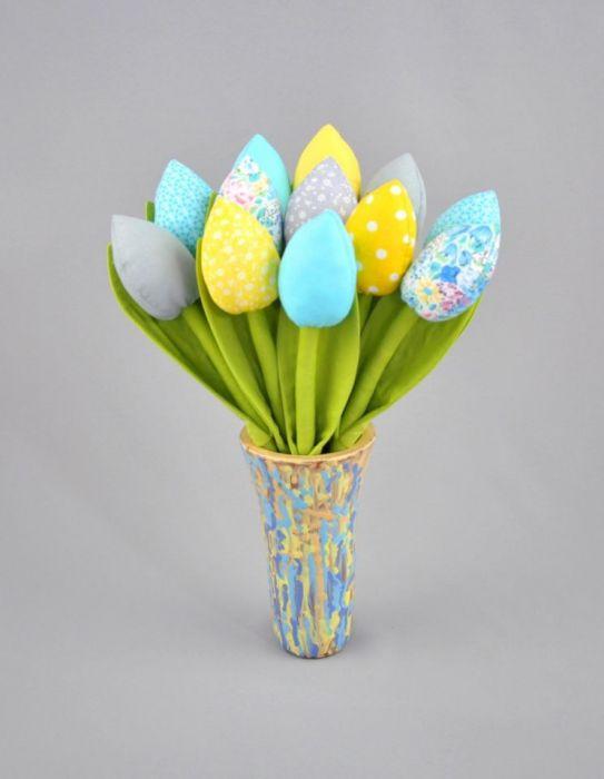 Tulipany, kwiaty z materiału turkusowe