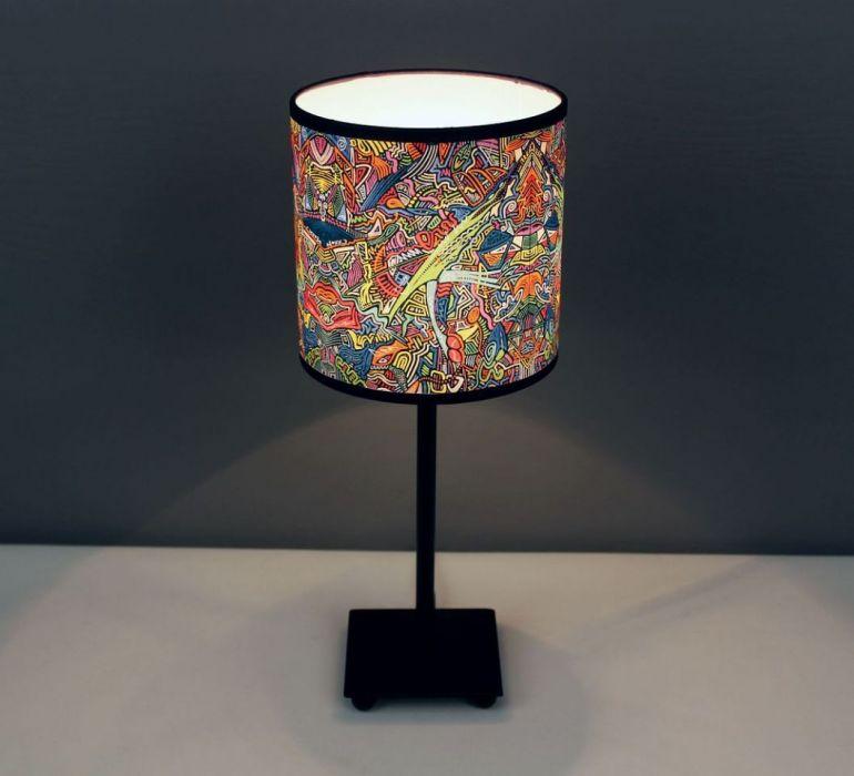 """Inspirująca lampa nocna z obrazu """"cZASNASZ"""" S - Łatwy do czyszczenia i trwały abażur."""