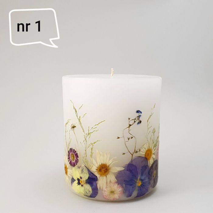 Świeca z naturalnymi kwiatami-wiosenna.