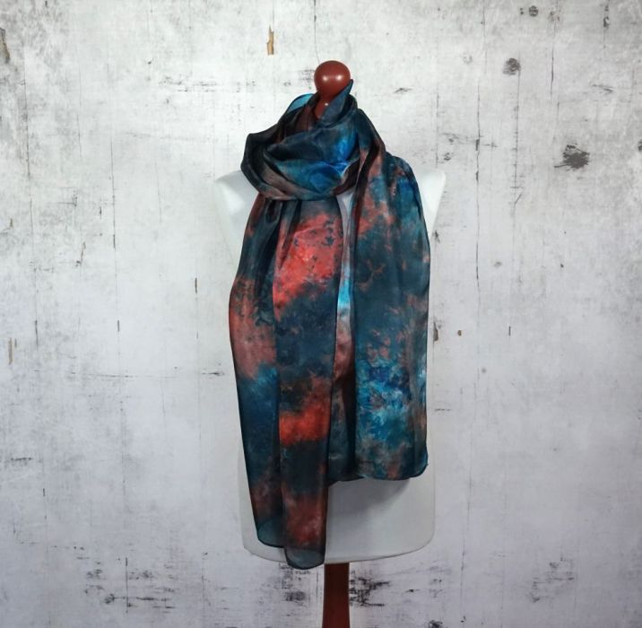 Ręcznie barwiony szal jedwabny /138/