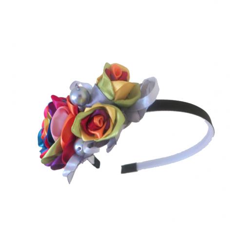 Fascynator z kolorową różą