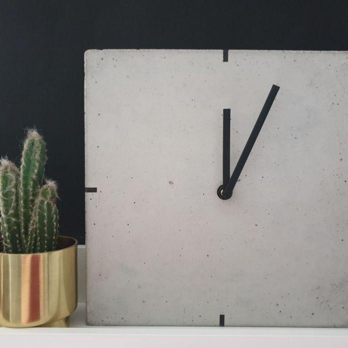 Betonowy Zegar Stojący - Quadro