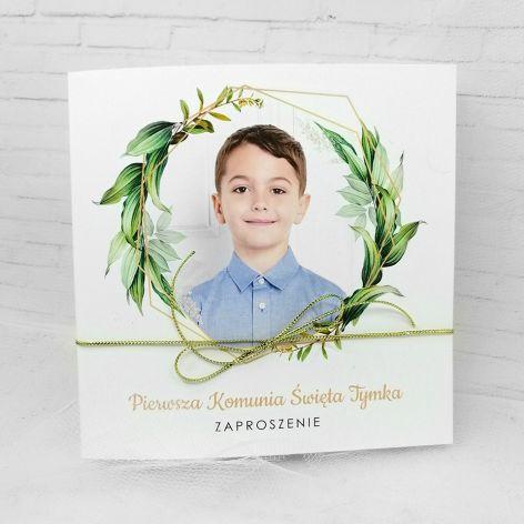 Zaproszenie na komunię dla chłopca ze zdjęciem zielone liście ZKS 006