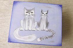Pudełko malowane d.- Koty w jasnoniebieskim