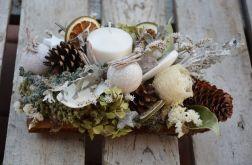 stroik z białą świecą