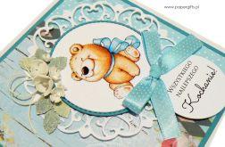 Kartka urodziny dziecka miś błękitna kokarda