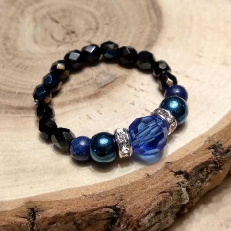 Pierscionek z kamieni i kryształków blue
