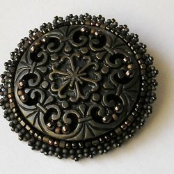 Vintage button brown broszka