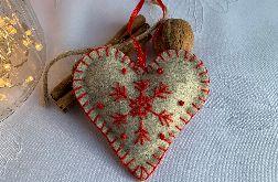 Dekoracja świąteczna z filcu z ozdobnym haftem - wzór 014