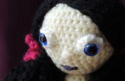 Lalka szydełkowa - czarna Kinia