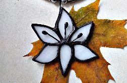 Wisior biała lilia Tiffany