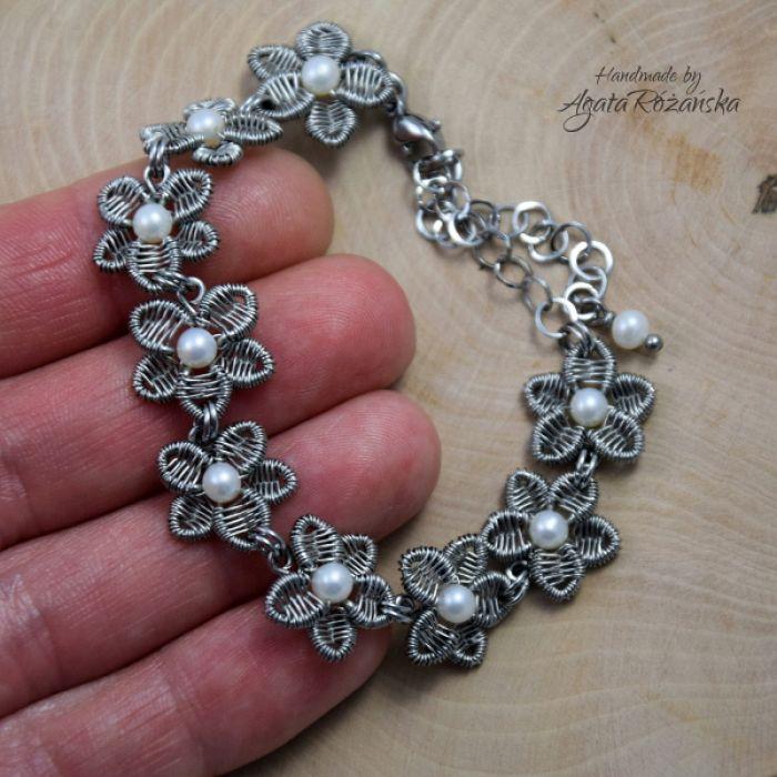 KWIATY bransoletka z perłami ze stali chirurg - Delikatny, unikatowy dodatek
