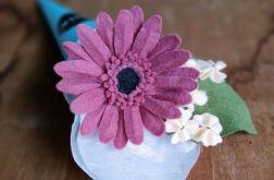 Gerbera - kwiat z filcu - ciemny róż