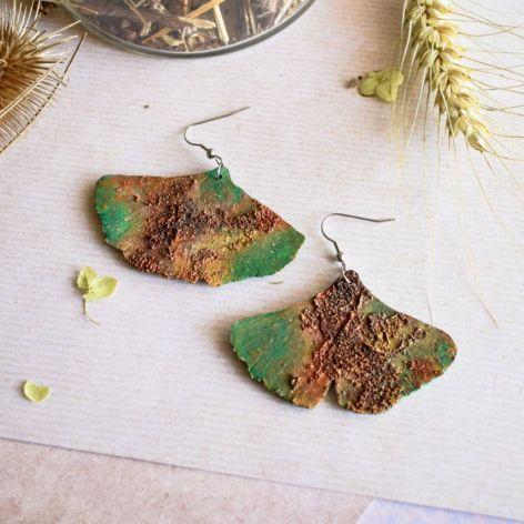 Kolczyki z efektem rdzy w kształcie liści mił
