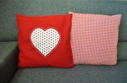 2 poszewki - serca na czerwonym filcu
