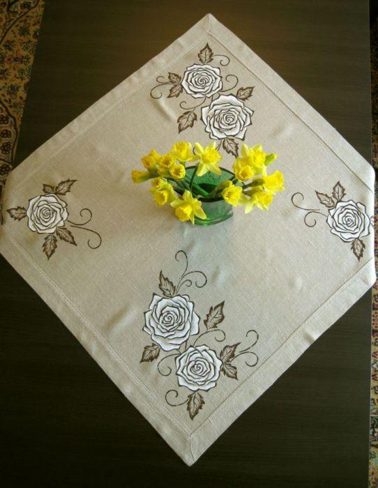 Lniany obrus ręcznie malowany - Róże - Elegancki