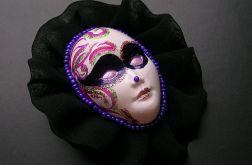 Broszka z kolekcji Masquerade - tiulowa