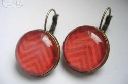 Kolczyki z czerwonym wzorem