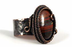 Miedziany pierścionek z tygrysim okiem unisex