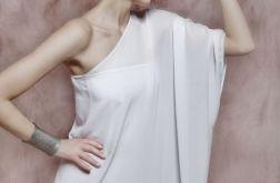 Biała asymetryczna suknia wieczorowa
