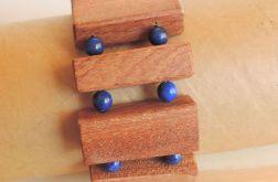Lapis Lazuri i drewno - kamień antydepresyjny