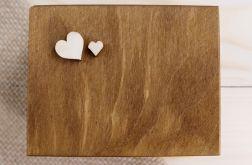 Rustykalne pudełko na obrączki - motyw serca