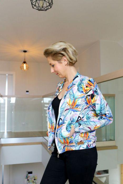 damska bluza na suwak