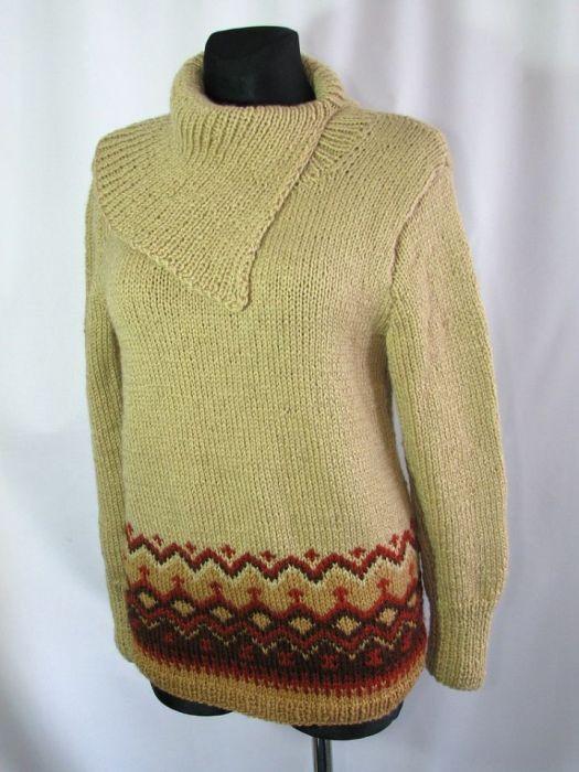 Sweter z  norweskim szlaczkiem - przód