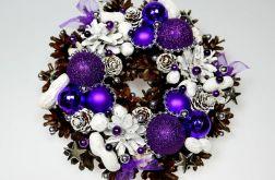 Mały wianek bożonarodzeniowy biało-fioletowy