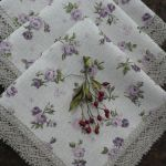 Serweta różyczki fioletowo - wrzosowe