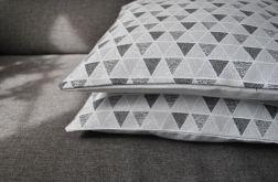 Poszewka - szare żakardowe trójkąty