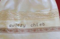 Lniany worek na pieczywo z koronką i haftem