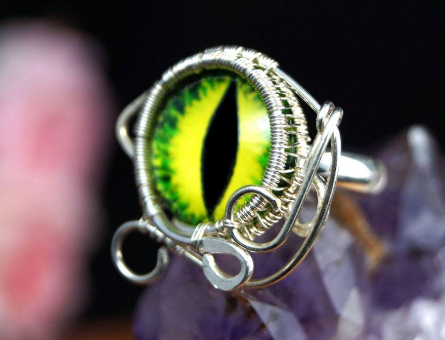 Zielone oko, srebrny pierścionek ręczn