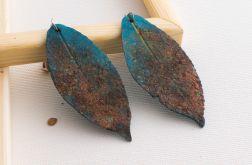 Kolczyki w formie pordzewiałych liści