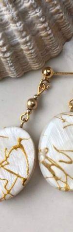 Kolczyki z żywicy, z masą perłową
