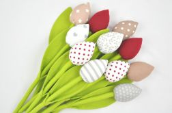 Tulipany szyte zmateriału